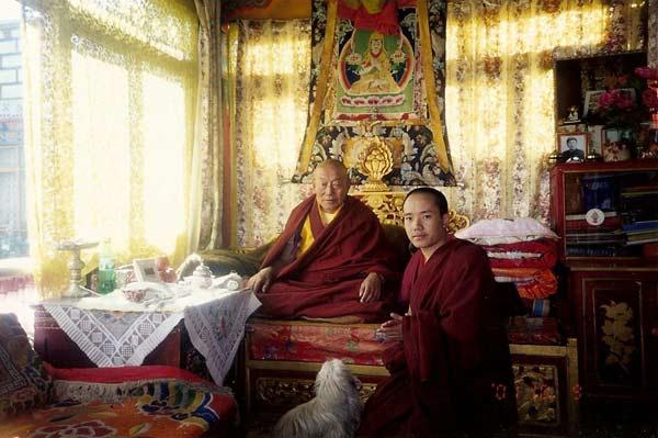 The previous Kyabje Denma Gonsa Rinpoche with H.E. Zawa Rinpoche